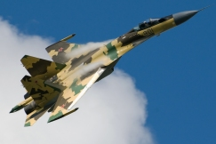 Su-35_in_flight._(3826731912)